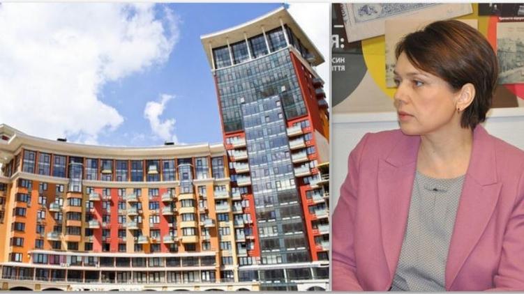 Чиновница выплачивает кредит за жилье в спальном районе столицы, фото: sunbrama.tmm.ua, facebook.com