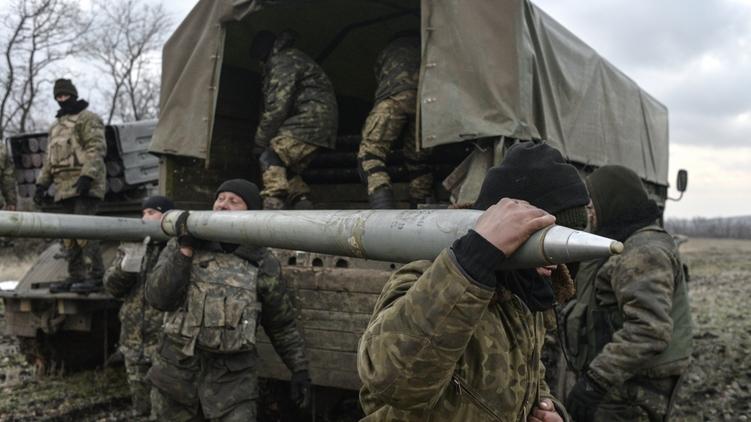 Обстрелы в зоне АТО усилились с обеих сторон, фото: Чернышев Алексей,