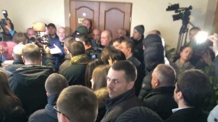 Блокада чиновников Днепропетровской мэрии, фото: facebook.com/dubilet
