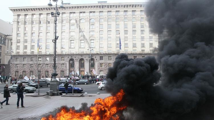 Протесты таксистов под мэрией, фото: Виталий Носач,