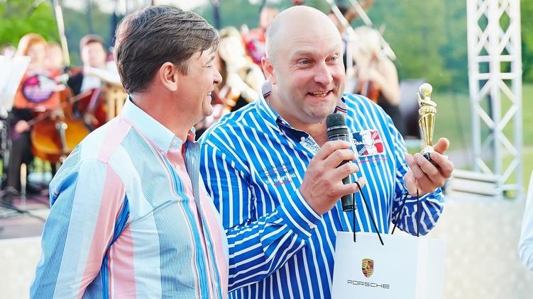 Владимир Живага (на фото справа), Фэйсбук Юрия Сапронова
