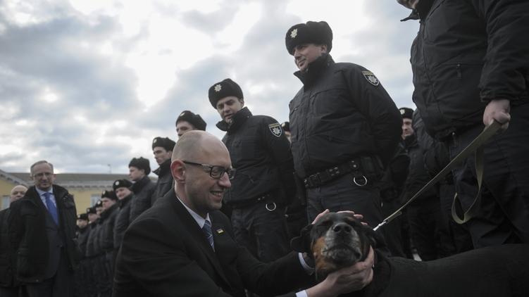 Премьер-министр Арсений Яценюк пока не согласен добровольно уйти в отставку, фото: kmu.gov.ua