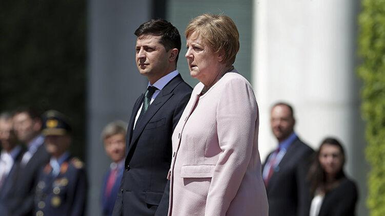 По дороге от Путина из Москвы канцлер Меркель 22 августа встретится с Зеленским, а на запланированную через день