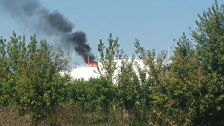 Взрыв нефтебазы в Донецке 11 сентября