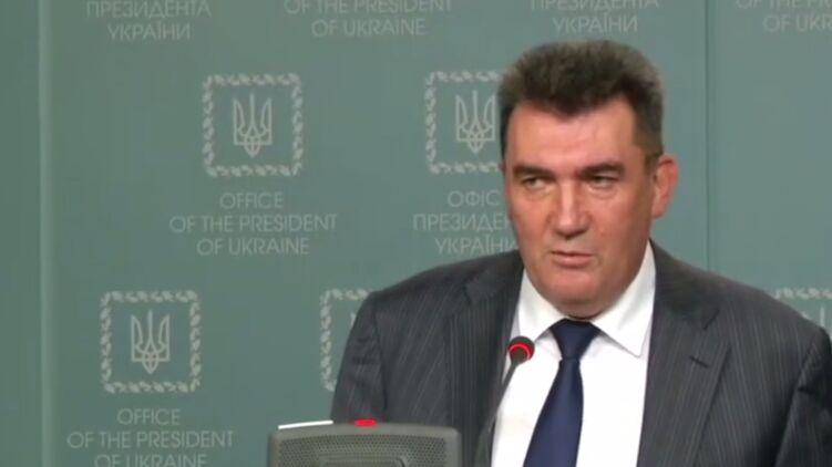 Луганчанин Алексей Данилов заявил, что напрягается от русского языка. Скриншот youtube