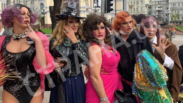 Колоритные участники гей-парада в Киеве. Фото