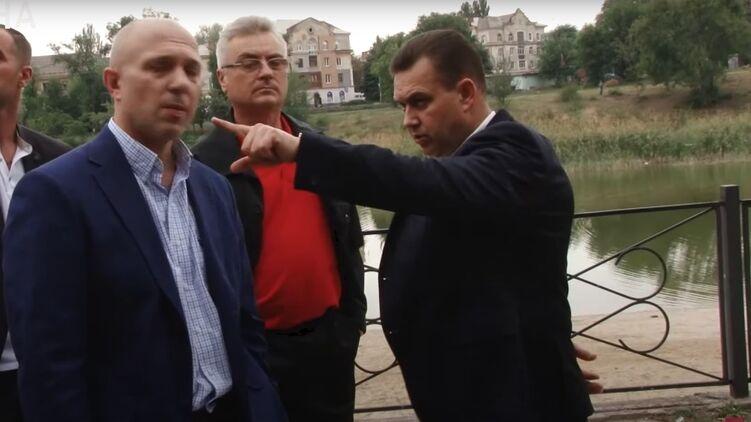 Константин Павлов (справа). Кадр из фильма