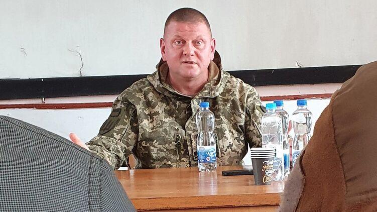 Валерий Залужный на совещании заявил, что отменяет приказы о молчании на обстрелы. Фото Мартин Брест