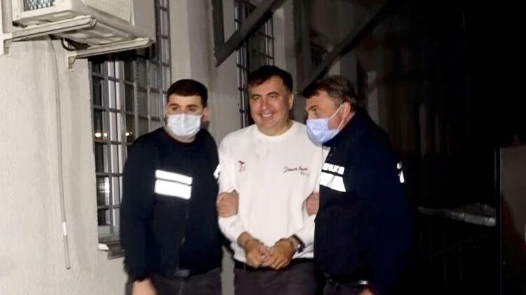 Проигрыш партии Саакашвили на выборах увеличивает его шансы остаться в тюрьме