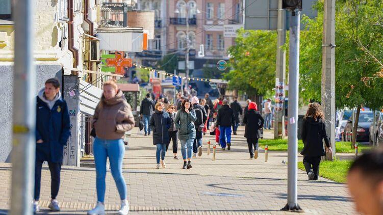 В Украине хотят выяснить процент соблюдения таких карантинных мер, как ношение масок и соблюдение дистанции