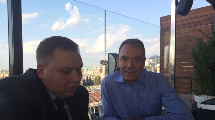 Андрей Пасишник (слева) и глава