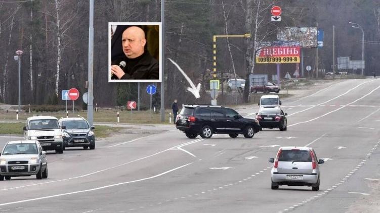 Машшины секретаря Совбеза свернули в неположенном месте, фото: Аркадий Манн,