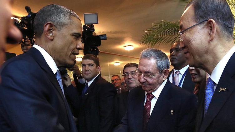 Барак Обама и Рауль Кастро: историческое рукопожатие, The Los Angeles Times