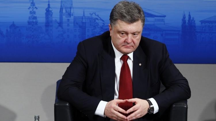 Для президента наступили невеселые дни., фото со странички в фэйсбук Петра Порошенко