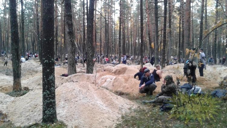 Нелегальная добыча янтаря уничтожает экосистему, но позволяет людям элементарно выживать, ukr-mafia.com