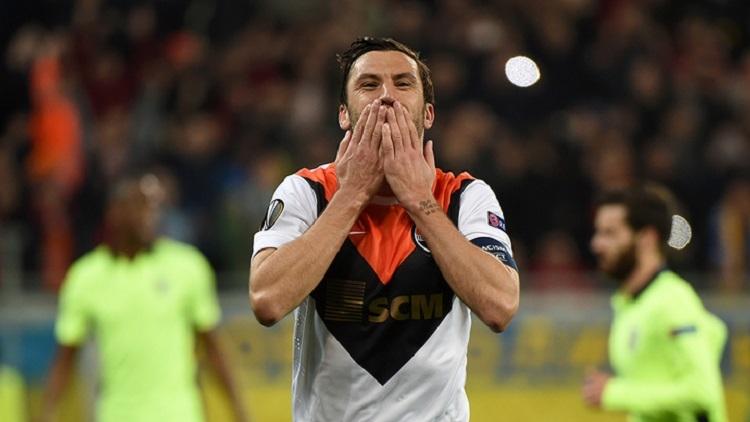 Капитан дончан Дарио Срна не только провел рекордный матч, но отметился забитым мячом и двумя голевыми передачами, фото: shakhtar.com