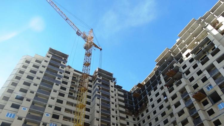 Украинцы все меньше готовы вкладывать деньги в недостроенное жилье, bdm-blog.com